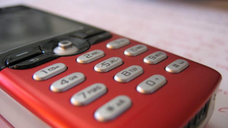 FOTO: Mobilní telefon