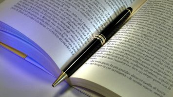 FOTO: Book