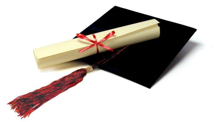 FOTO: Diplom