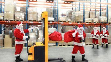 FOTO: Santa ve skladu