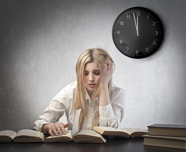 Jak zůstat dlouho bdělí, Učení v noci