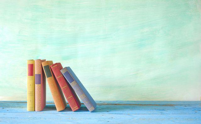 FOTO: Knihy v poličce
