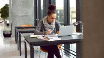 Studium překladatelství
