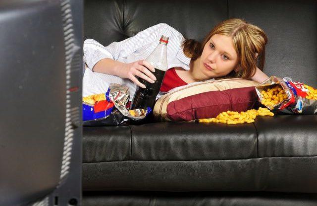 Jak se vymluvit z večírku, Sledování televize