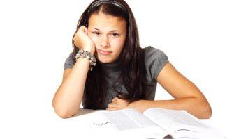 jak se píše viz, FOTO: Student