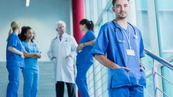 Práce při studiu medicíny