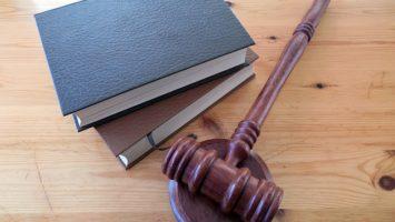 Kde studovat právo