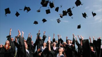 Kdy se musí platit studium na vysoké škole